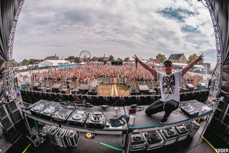 Stratus at Spring Awakening; Shot by Chris Yoder
