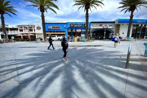 Empty shopping center hermosa beach california